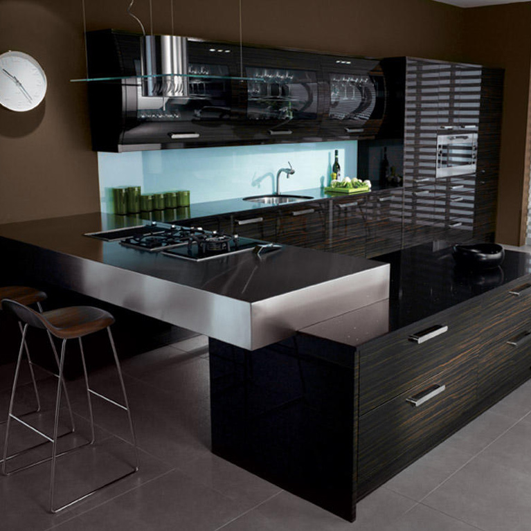 Avant Ebony Fitted Kitchen
