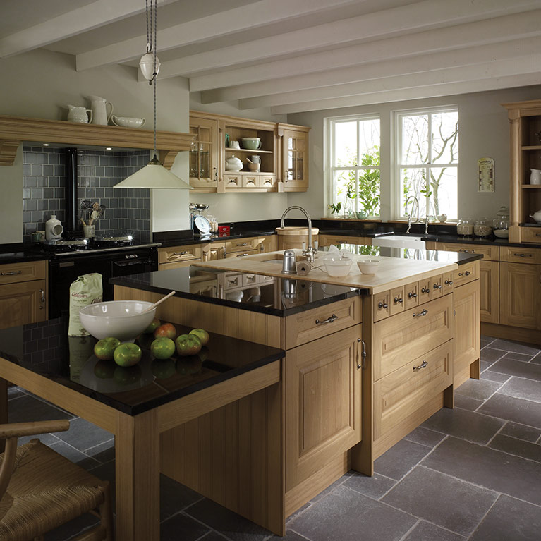 Milbourne chalk stone fitted kitchen number one kitchens for Oak fitted kitchen